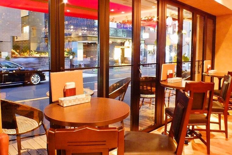 飲食店・ダイニングバーの店舗デザイン・内装例