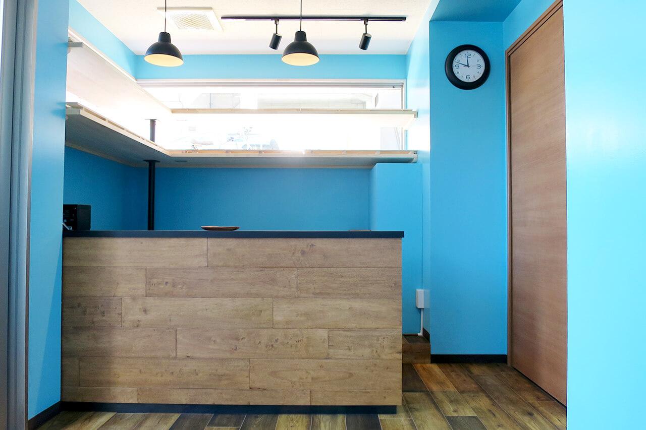 こだわりの食パン専門店の店舗デザイン・店舗内装例